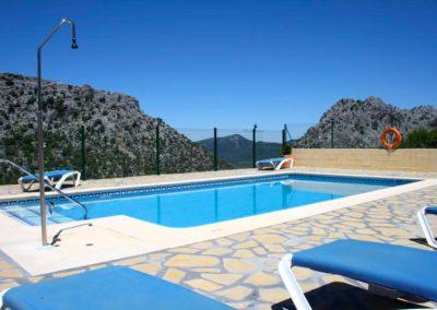 Piscina apartamentos Sierra Alta 2
