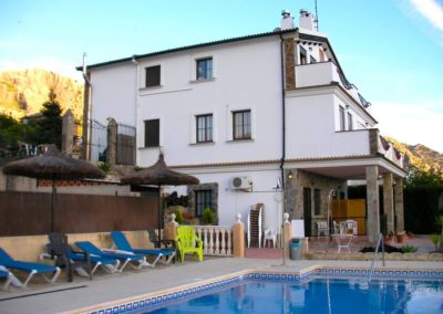 Piscina apartamentos Sierra Alta